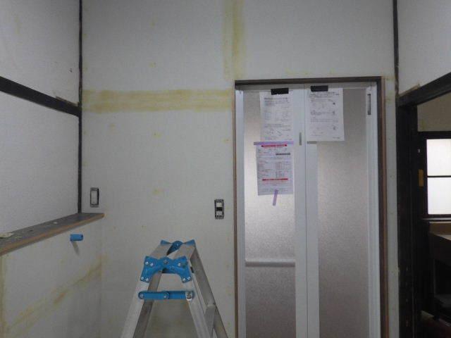 加賀野 古家改修工事 進行中。_f0105112_05033511.jpg