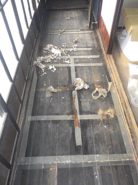 加賀野 古家改修工事 進行中。_f0105112_05080510.jpg