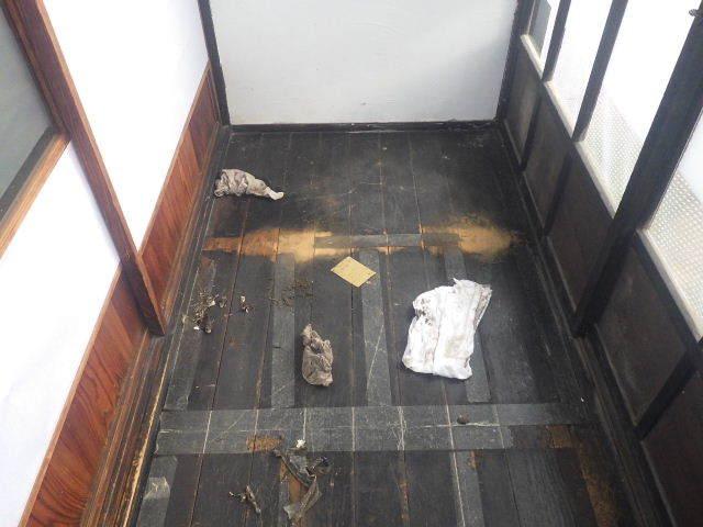 加賀野 古家改修工事 進行中。_f0105112_05130154.jpg