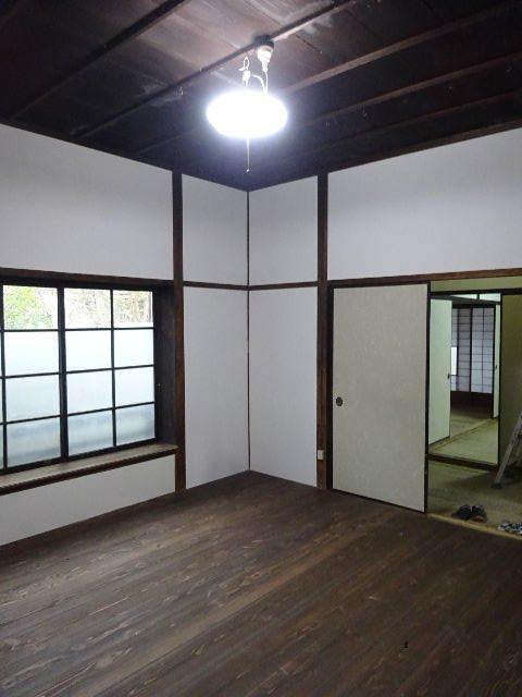 加賀野 古家改修工事 進行中。_f0105112_05130166.jpg