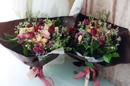 ラウンドブーケ 如水会館の花嫁様へ 最高の1日に アプリコットオレンジの、透明感のあるバラで_a0042928_11163365.jpg