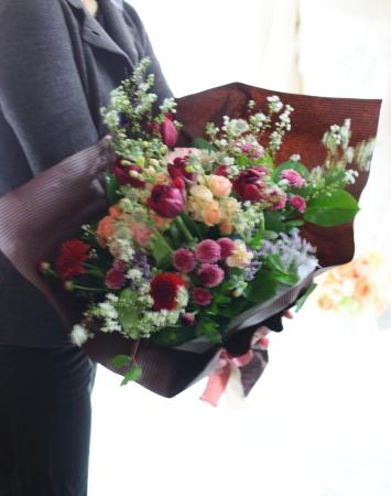 ラウンドブーケ 如水会館の花嫁様へ 最高の1日に アプリコットオレンジの、透明感のあるバラで_a0042928_11164908.jpg