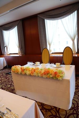 ラウンドブーケ 如水会館の花嫁様へ 最高の1日に アプリコットオレンジの、透明感のあるバラで_a0042928_12471229.jpg