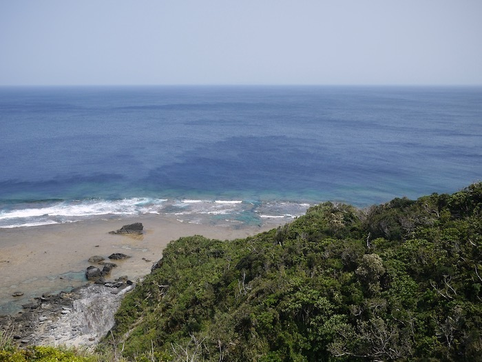 沖縄本島北へゆく旅5 比地の神アシャギ_e0359436_13321333.jpg