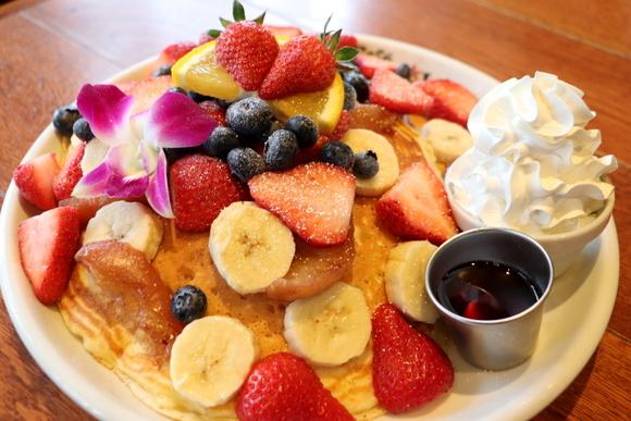 舞浜で山盛りパンケーキを食す_e0234741_22010047.jpg