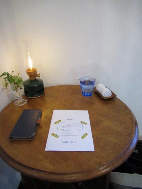Cafe Patra/カフェ パトラ * 3月のいちごパフェ & 桜のケーキ♪_f0236260_00563303.jpg