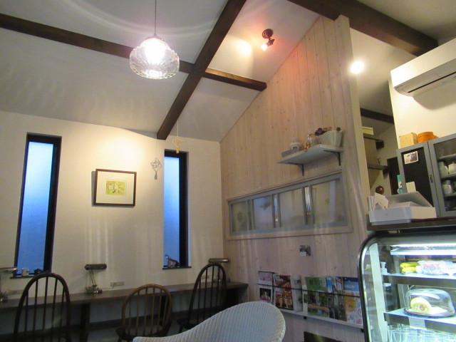 Cafe Patra/カフェ パトラ * 3月のいちごパフェ & 桜のケーキ♪_f0236260_00591902.jpg