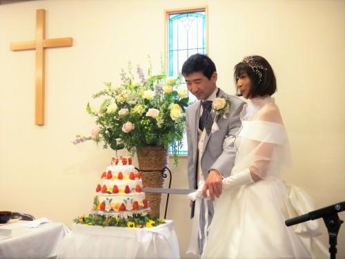 お幸せに~!! とっても素敵な結婚式がありました!!_d0120628_21280676.jpg