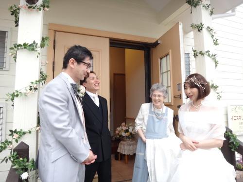 お幸せに~!! とっても素敵な結婚式がありました!!_d0120628_22145874.jpg