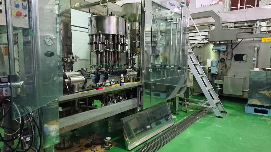 イタリア製の充填機械..._d0174738_11493474.jpg
