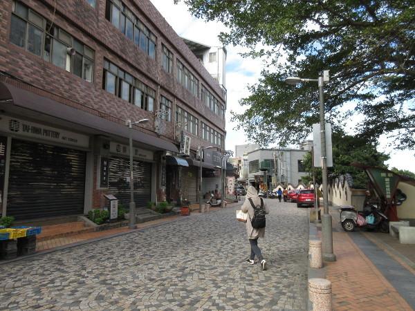 陶器の街、鶯歌へ・01_c0152767_18290022.jpg