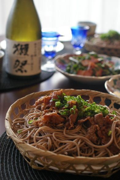肉ざる蕎麦がメインの夕食_d0327373_07421887.jpg