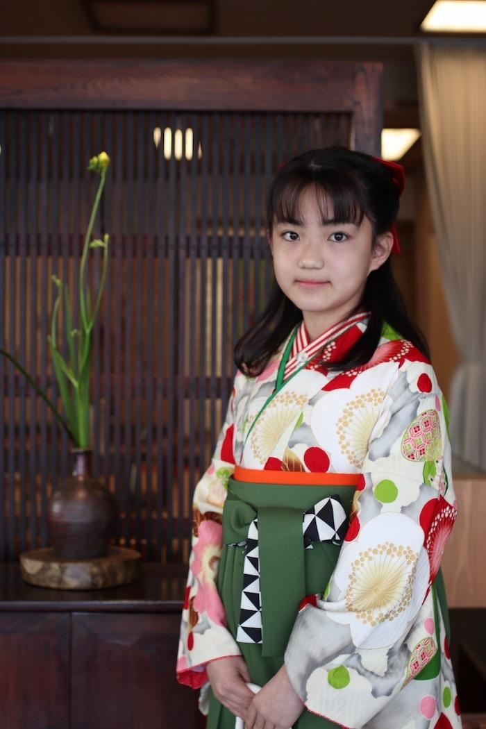 Miyuuちゃんの小学校卒業記念写真_d0335577_11123741.jpeg