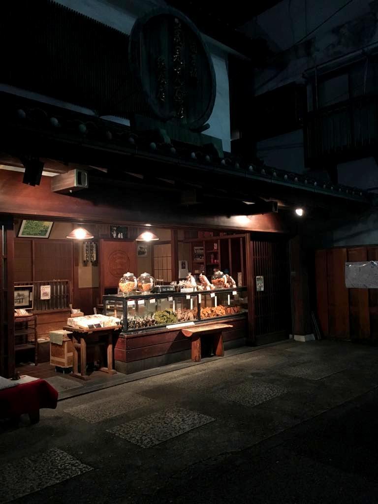 行きつけのカフェ。_c0180686_06414561.jpg
