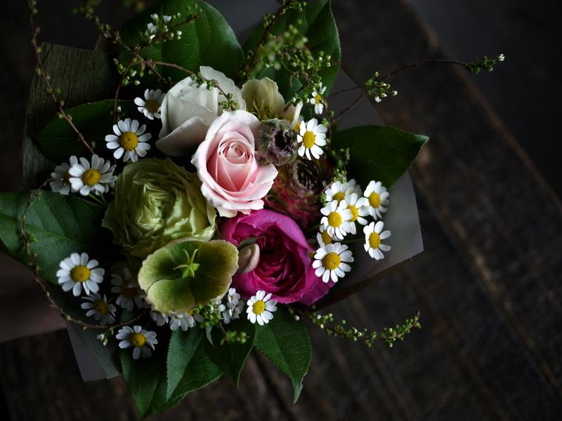 退職される方へ。平岸6にお届け③。「花束。女性へ。ピンク系」。2019/03/29。_b0171193_18125413.jpg