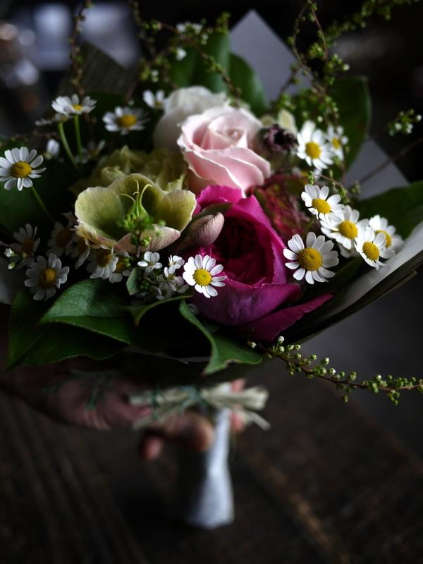 退職される方へ。平岸6にお届け③。「花束。女性へ。ピンク系」。2019/03/29。_b0171193_18130199.jpg