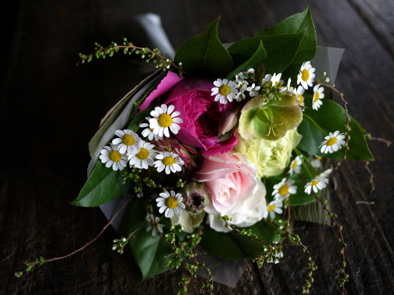 退職される方へ。平岸6にお届け③。「花束。女性へ。ピンク系」。2019/03/29。_b0171193_18130796.jpg