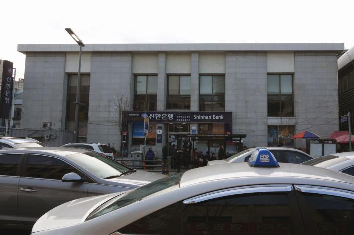 大田(テジョン)駅近くのカフェでバナナ スフレ パンケーキを食べる 팬케이크 폍 大田市の再開発地区 大田・ソウルの旅(6)_f0117059_23523220.jpg