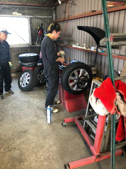 トヨタ アクア タイヤ交換。_f0032891_17080841.jpg