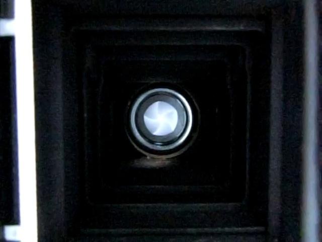 レンズシャッターのメンテナンス:デジカメの動画撮影でシャッター速度を測定 by 3dcam_d0138130_00324622.jpg