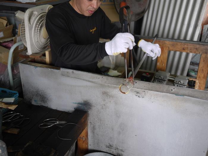 沖縄本島北へゆく旅8 琉球ガラス作りを体験する_e0359436_16171384.jpg