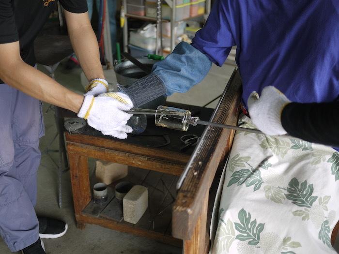 沖縄本島北へゆく旅8 琉球ガラス作りを体験する_e0359436_16171917.jpg