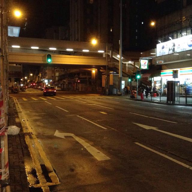 香港最終夜、ひとり屋台でカレー風味の焼き鳥を。_a0334793_02461047.jpg