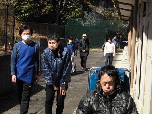 4/2 朝の散歩_a0154110_10315116.jpg