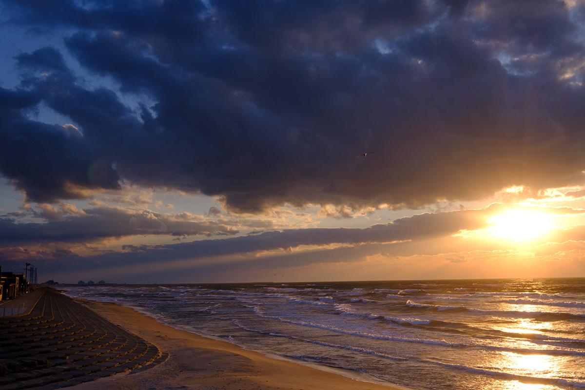 X-T30 見参 そのIV 寒さで凍えながら撮っていた浜辺の風景 #FUJIX-T30_c0065410_21583412.jpg
