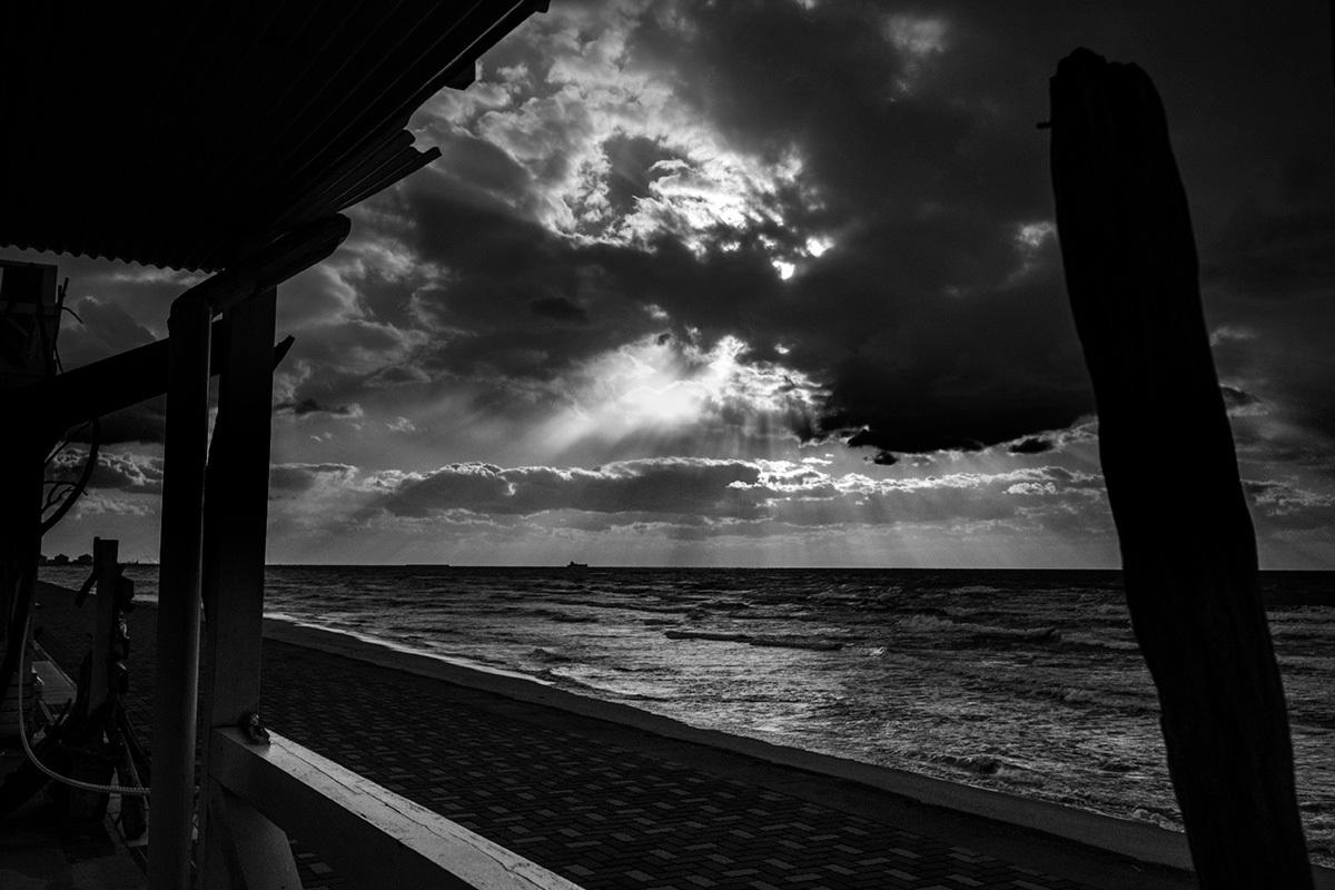 X-T30 見参 そのIV 寒さで凍えながら撮っていた浜辺の風景 #FUJIX-T30_c0065410_21584656.jpg