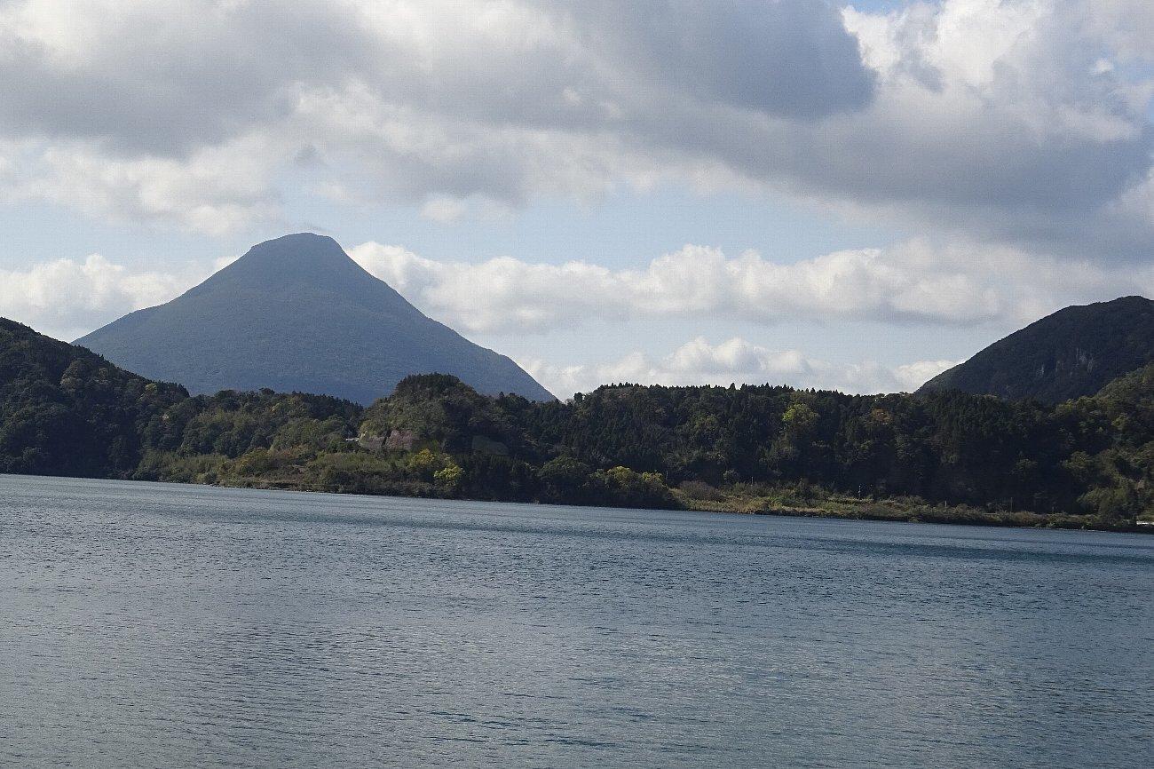 池田湖とイッシー_c0112559_08083740.jpg
