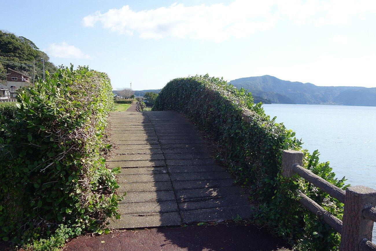 池田湖とイッシー_c0112559_08093836.jpg