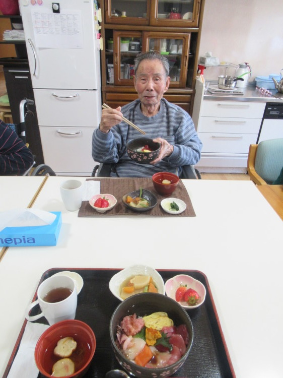 豪華な丼_e0191174_09053439.jpg