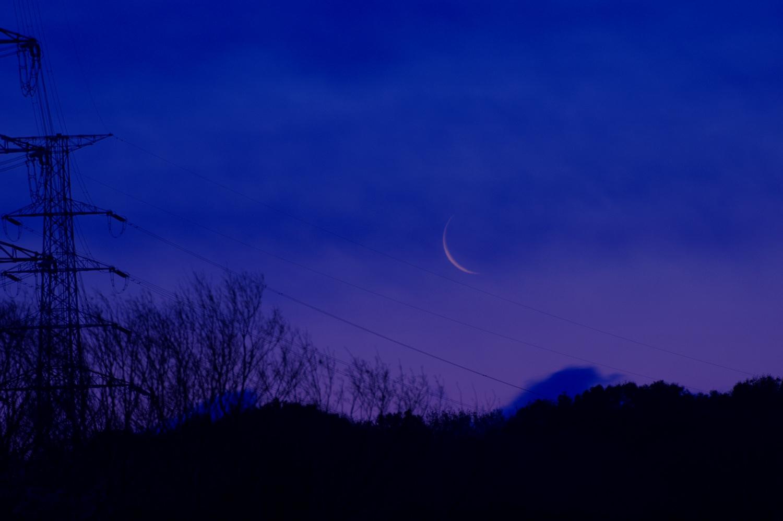 細い月と金星_e0362696_17081467.jpg