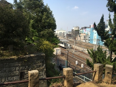 まえ散歩 at 谷中 桜五分咲きの谷中を、西日暮里から千駄木まで歩いてみる_b0177242_11240159.jpg