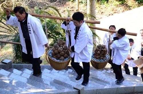 トカラ塾でライブトーク「まじない食と神々の食」_c0303307_16362489.jpg