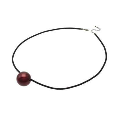 身につける漆 漆のアクセサリー ペンダント 漆の実 ボルドー色 黒八つ打ちシルクコード 60cm 坂本これくしょんの艶やかで美しくとても軽い和木に漆塗りのアクセサリー SAKAMOTO COLLECTION wearable URUSHI accessories pendants Urushi Jewelry Bordeaux color Silk Cord Black 艶やかで美しい光沢が胸元に存在感を与える大振りで存在感を演出、幅広い年代の女性に人気の上品な日本の深紅、肌ざわりのいいシンプルなコードは少し長めで使いやすくコーディネイトの幅がぐっと広がります。 #軽いペンダント #漆のペンダント #ペンダント #漆の実 #ボルドー色 #accessories #jewelry #SilkCord #pendants #BordeauxColor #八つ打ちコード #シルクコード