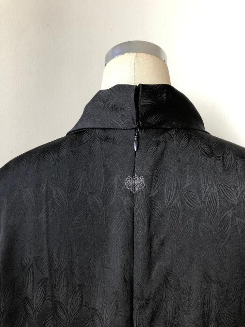着物リメイク・綸子の羽織からリボンタイのワンピ_d0127925_14592903.jpg