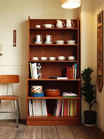 Bookshelf_c0139773_15024242.jpg