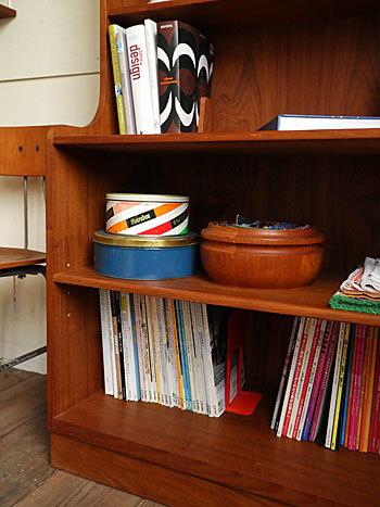 Bookshelf_c0139773_15041772.jpg