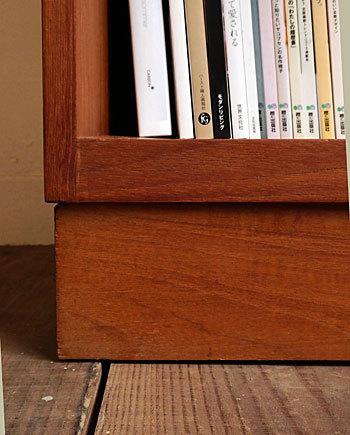 Bookshelf_c0139773_15143501.jpg