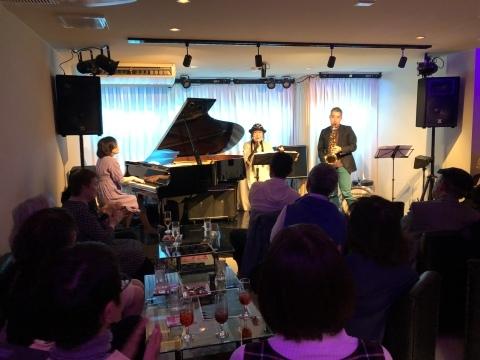 Jazzlive comin 本日土曜日はバラード特集です。_b0115606_11501307.jpeg