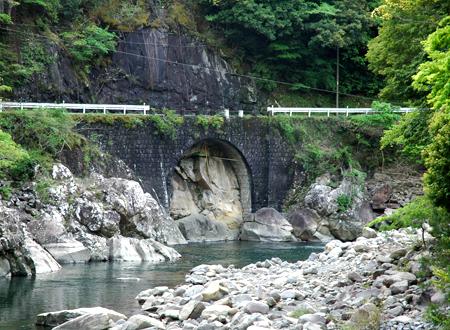 日本遺産紙芝居『結いの里の森林鉄道』_e0194612_14563972.jpg