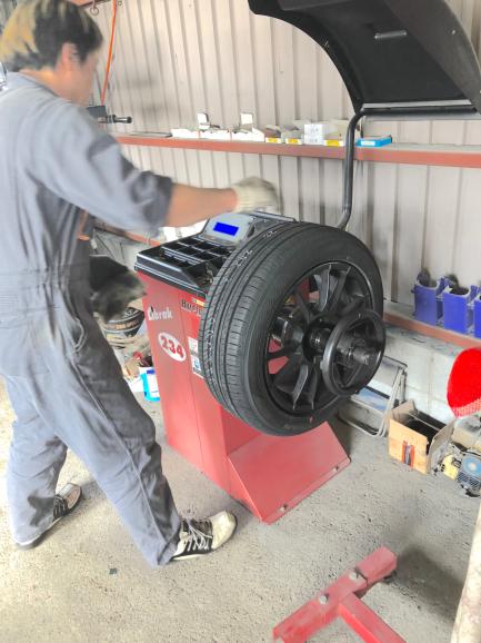 ルーテシア4/ 16インチ車 タイヤ交換_f0032891_20125933.jpg