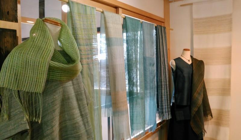 真木テキスタイルスタジオ 春の展示がはじまりました。_b0299094_11003940.jpg