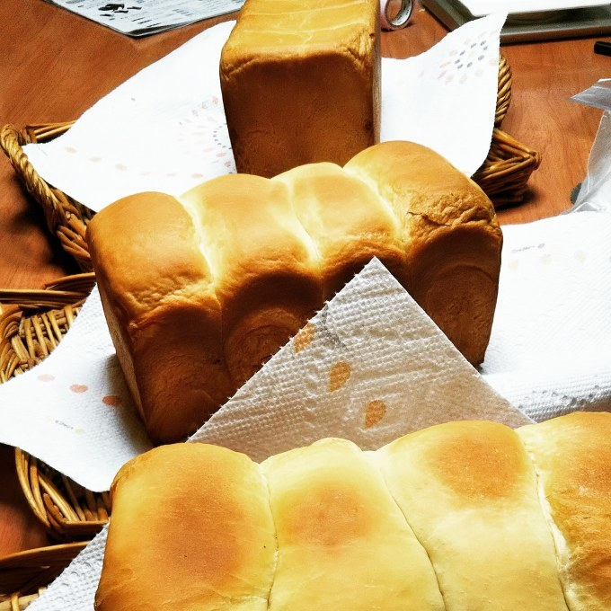 本日も生クリーム食パン!_d0138307_22180054.jpg