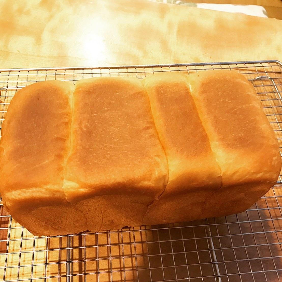 本日も生クリーム食パン!_d0138307_22185706.jpg