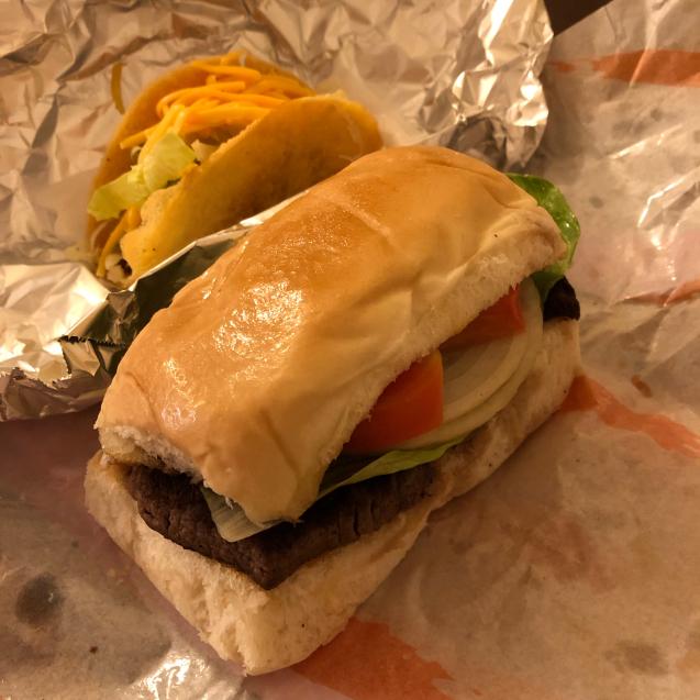 肉食には嬉しい沖縄のステーキ_d0285416_16165714.jpg