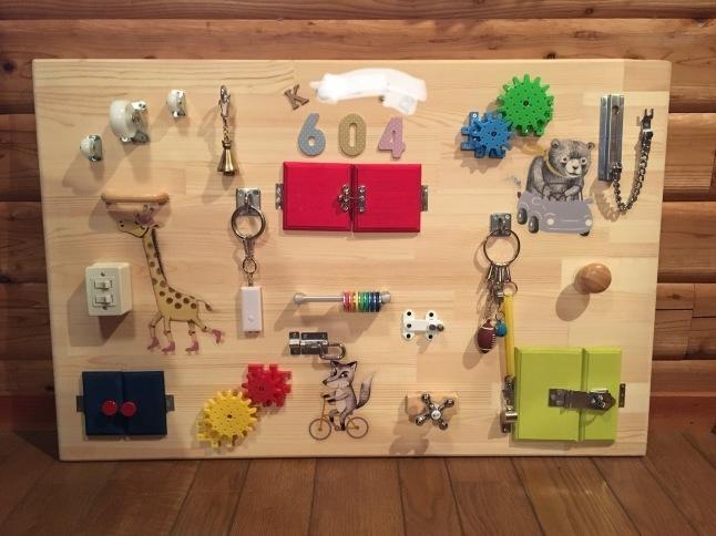赤ちゃんおもちゃ じいじのビジーボード作り_d0348118_17194819.jpeg