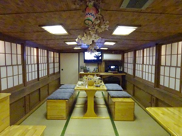 屋形船に乗って、夜桜隅田川クルーズ(前編)_f0097523_21525140.jpg